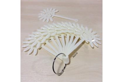 12 Flower Shape Nail Pallette (Natural)